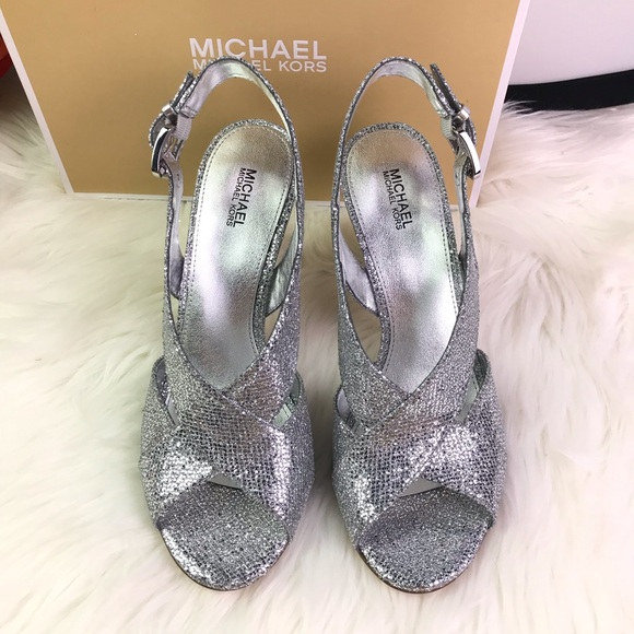 Michael Michael KORS Shoes, New in Box.